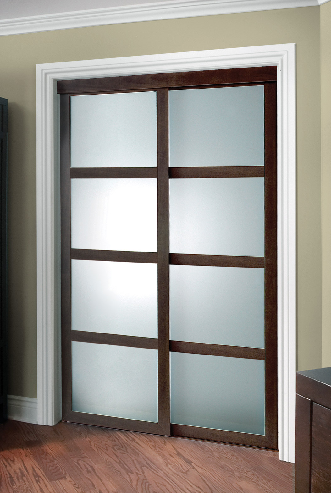 Fusion plus closet door colonial elegance for Moulure fenetre